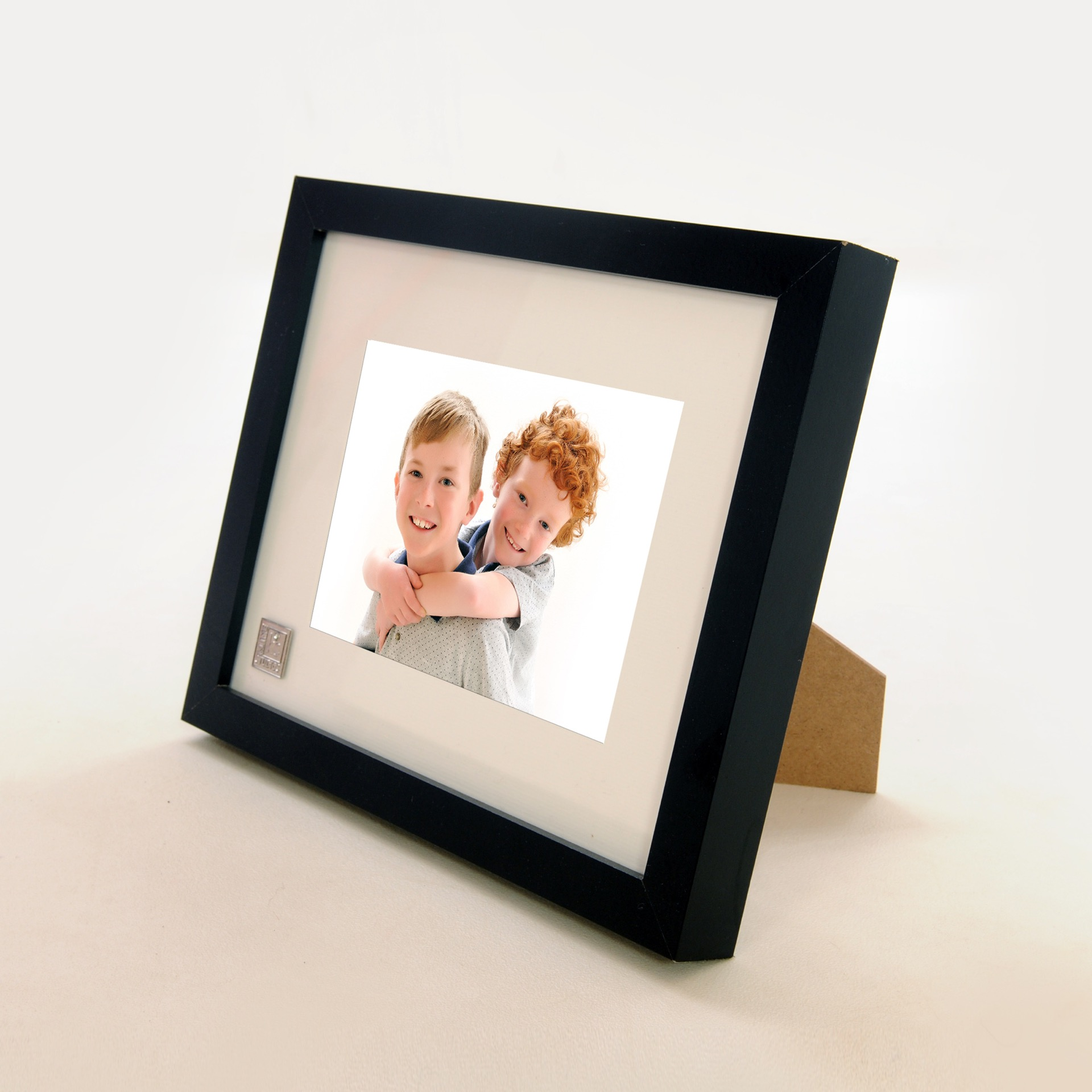 desk frames  amazing family photography in northamptonshire - desk frames